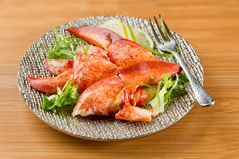 Cooked Lobster Meat Jumbo Claw Knuckle Chunks, Frozen